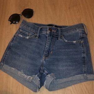 Hollister Shorts - vintage high rise denim shorts